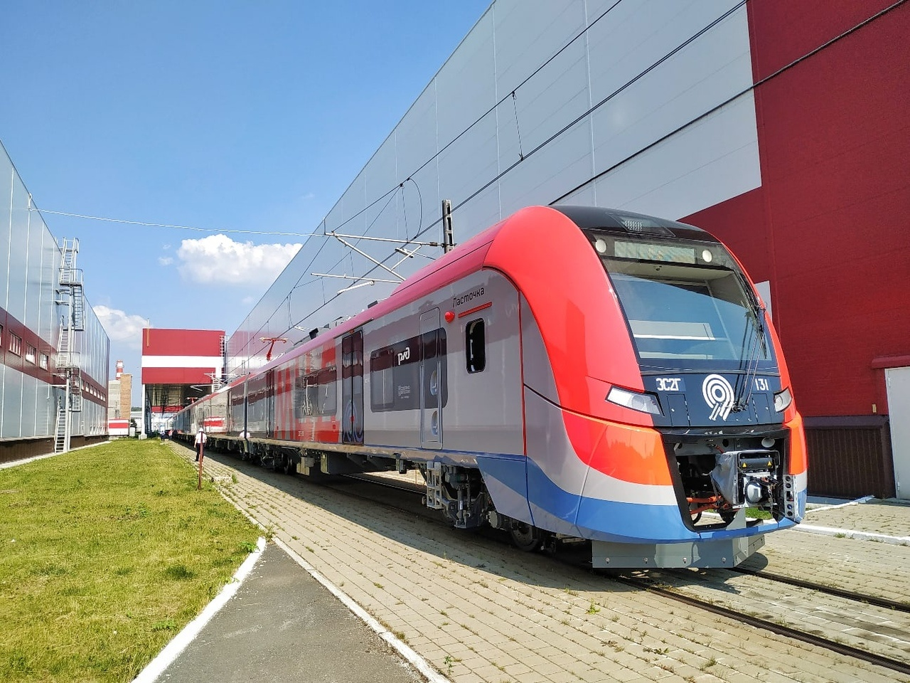 «Уральские локомотивы» выпустили первую «Ласточку» специально для Московских центральных диаметров