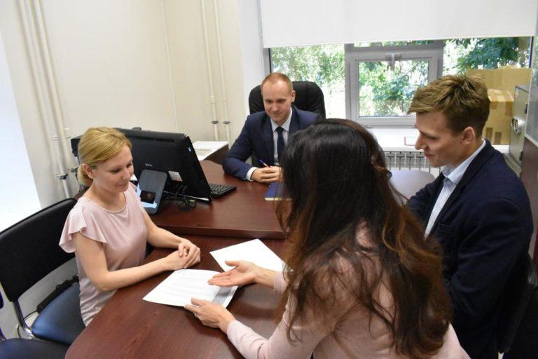 Бизнесу оказали поддержку на зарплаты почти на 1 трлн рублей