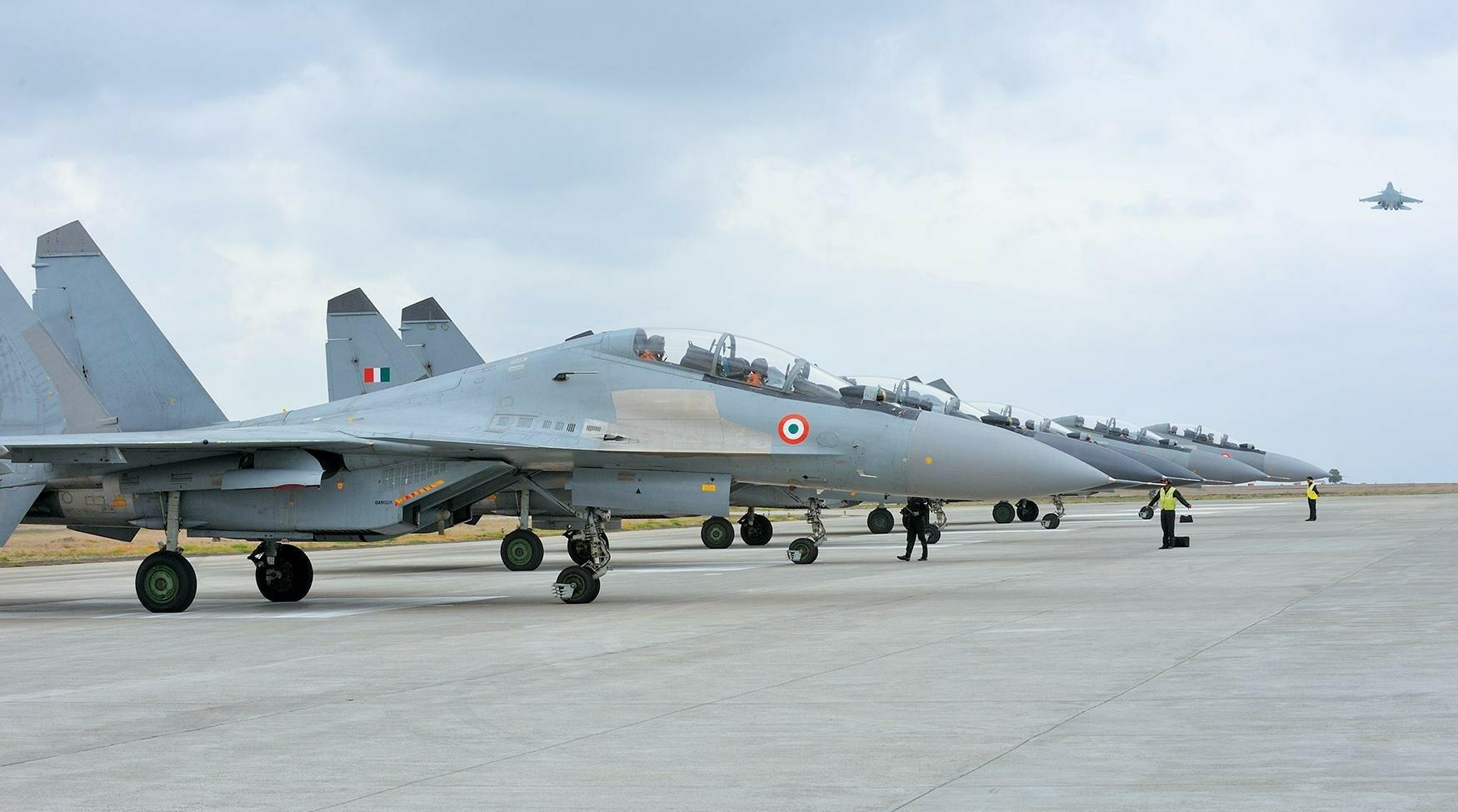 Минобороны Индии одобрило закупку самолетов МиГ-29 и Су-30 МКИ у России