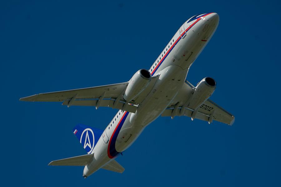 Филиал ПАО «Корпорация Иркут» «Региональные самолёты» приступил к проведению лётных испытаний инерциальной навигационной системы БИНС-2015 на опытном самолёте SSJ 100. Об этом сообщает корпорация «Иркут».